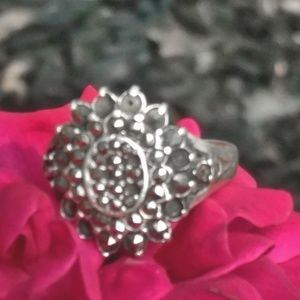 Vintage Sterling Silver & Marcasite Sunflower Ring